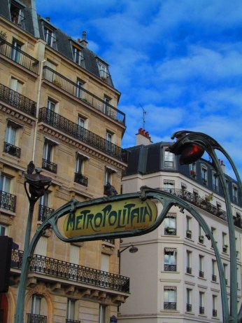 Metro sign in Paris