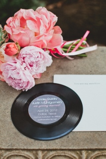 Vintage record Save the Dates via MontgomeryFest | Photography by Taylor Lord Photography | Florals by Bows + Arrows