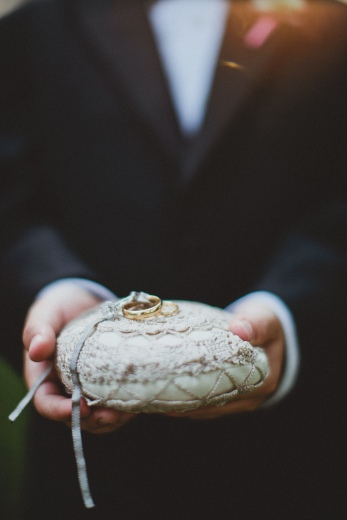 Ringer bearer via MontgomeryFest | Photography by Taylor Lord Photography | Florals by Bows and Arrows