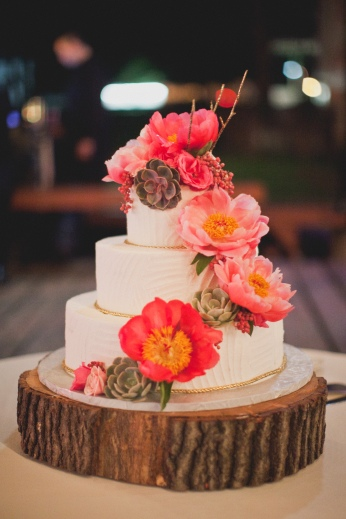 THE cake via MontgomeryFest | Photography by Taylor Lord Photography | Cake by Dallas Affaires Cake Co.