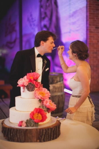 Wedding cake via MontgomeryFest | Photography by Taylor Lord Photography | Cake by Dallas Affaires Cake Co.