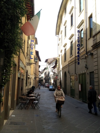 Narrow streets in Florence, Italy via MontgomeryFest